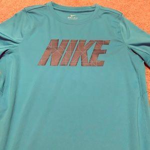Boys Nike dry fit t-shirt